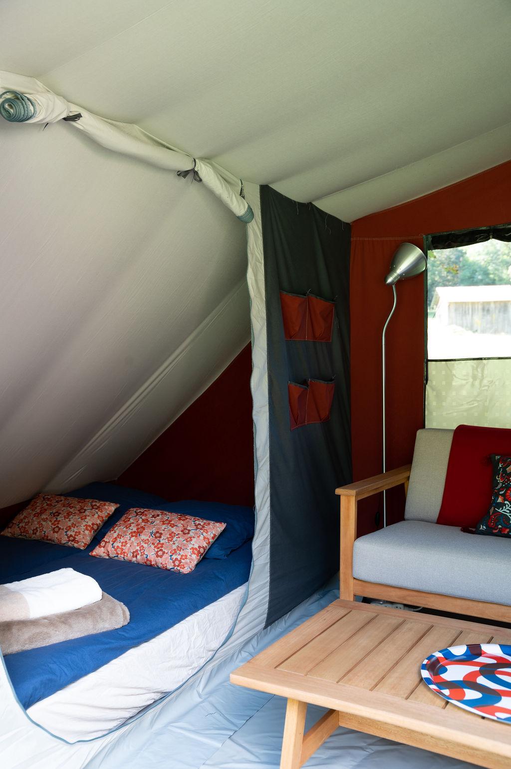 camping-le-pelly-slide-bora-bora-tent-2