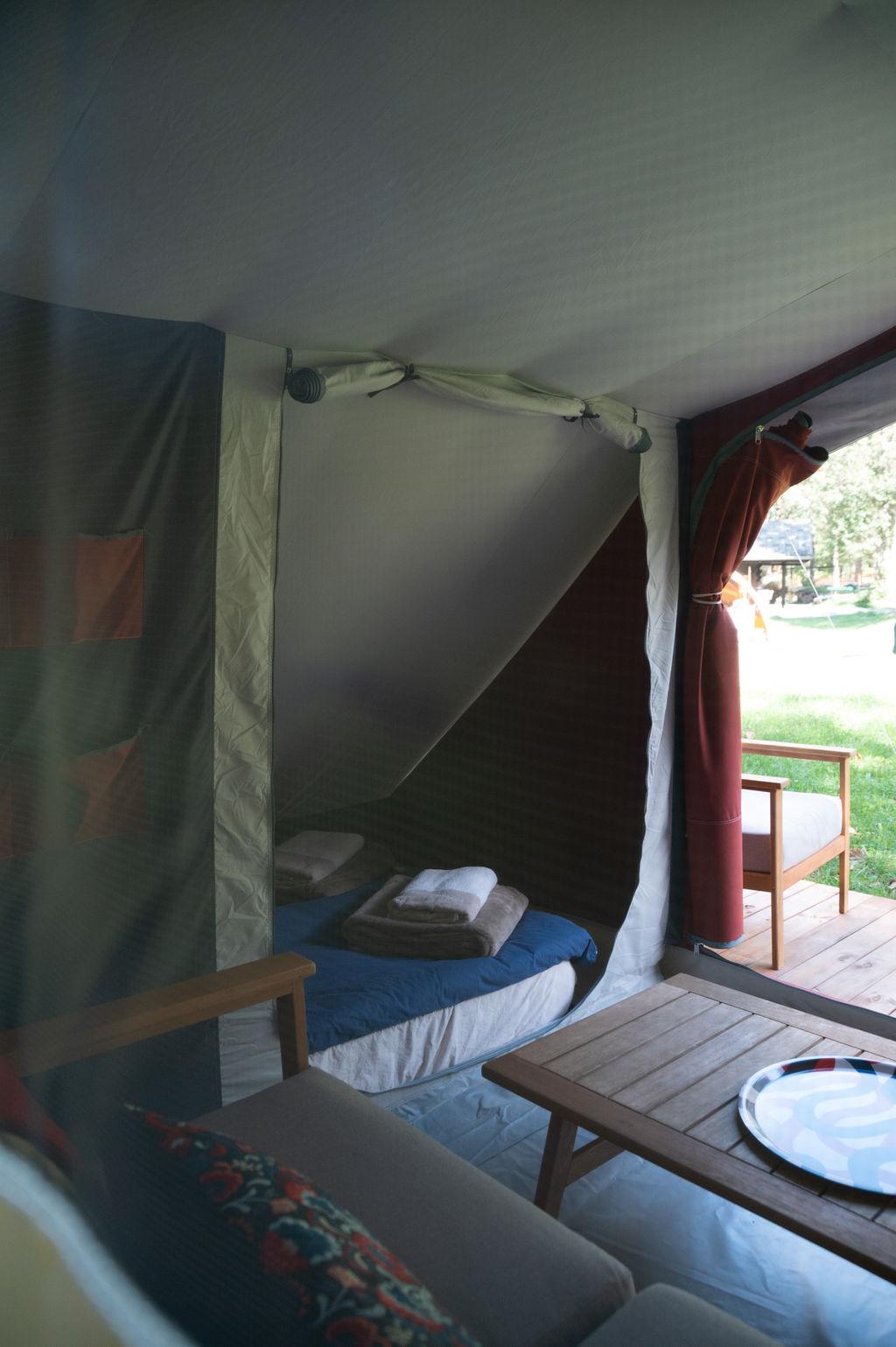 camping-le-pelly-slide-bora-bora-tent-4