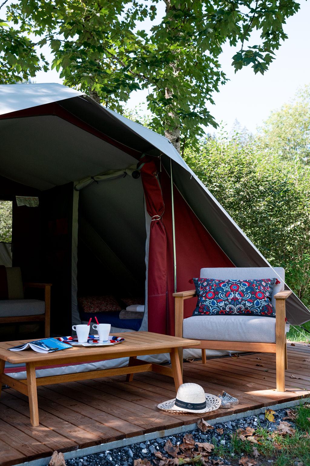 camping-le-pelly-slide-bora-bora-tent-6