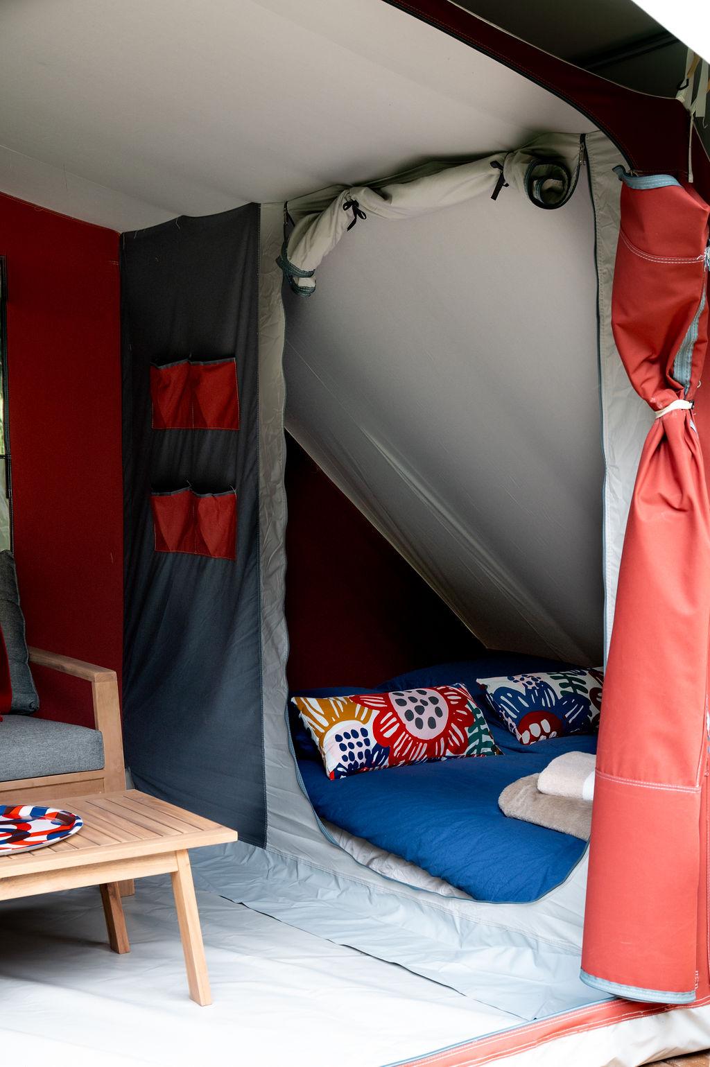 camping-le-pelly-slide-bora-bora-tent-9