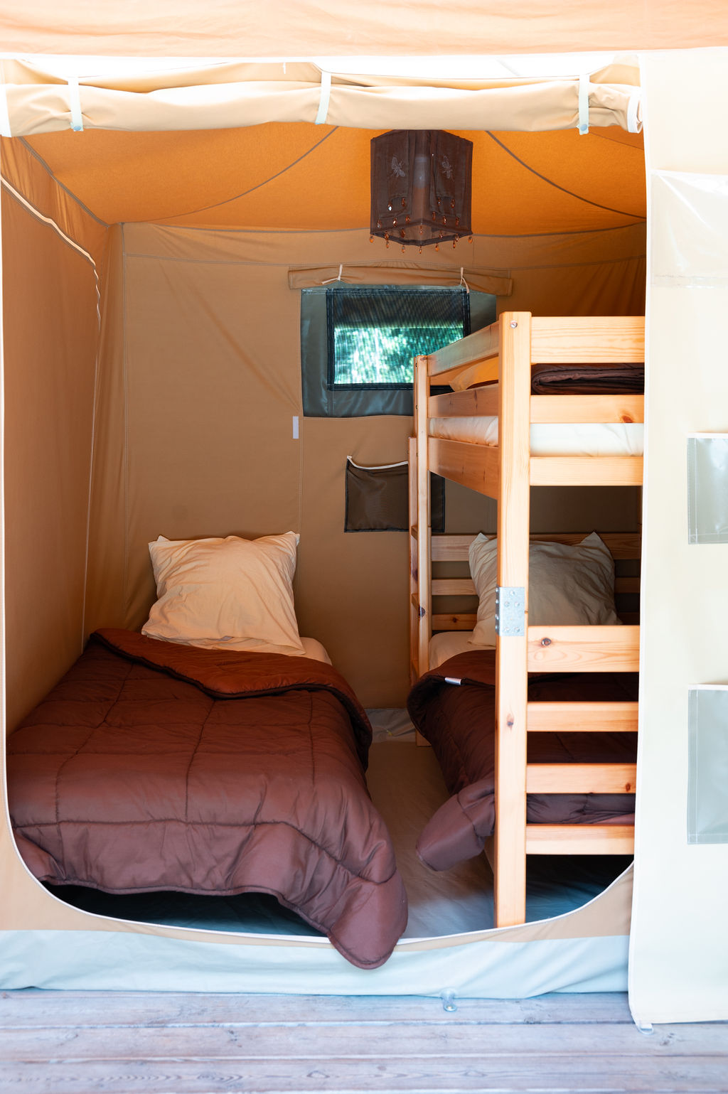 camping-le-pelly-slide-bungalow-toile-caraibes-1