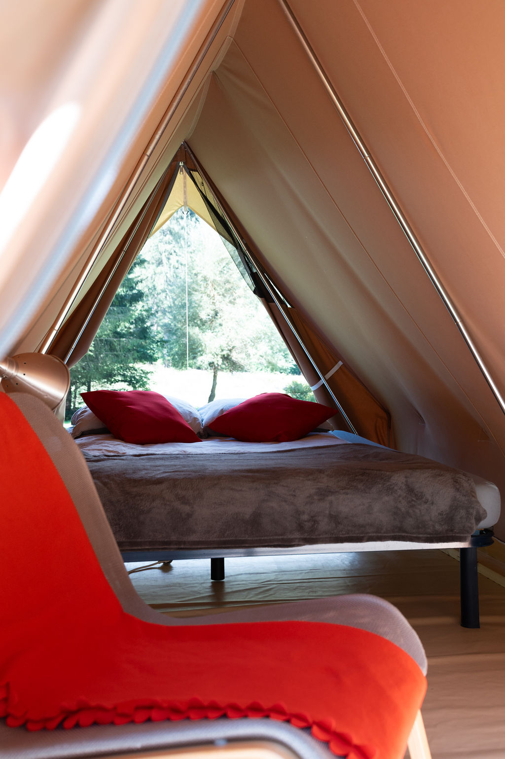 camping-le-pelly-slide-mountain-tent-11