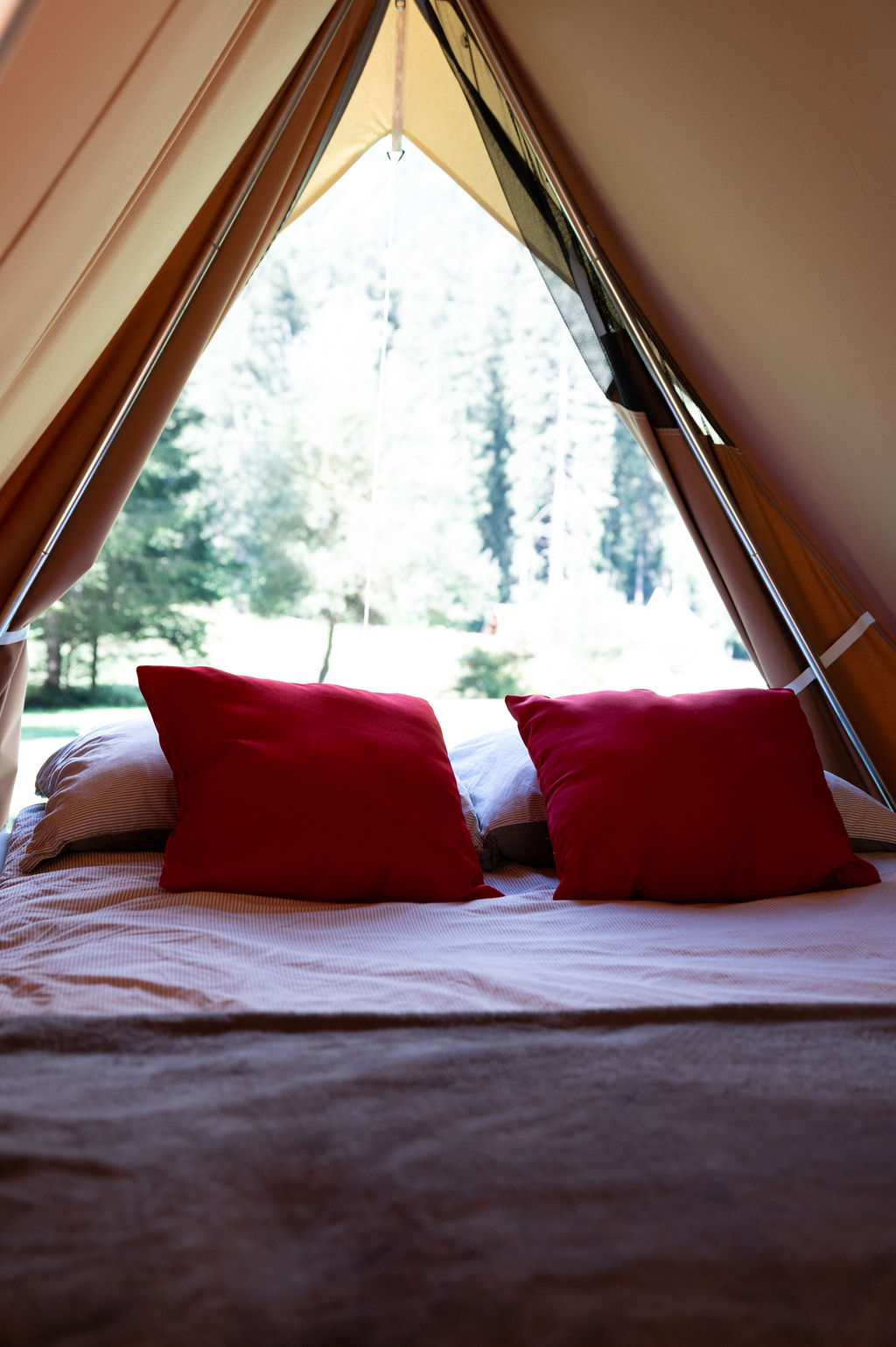 camping-le-pelly-slide-mountain-tent-12