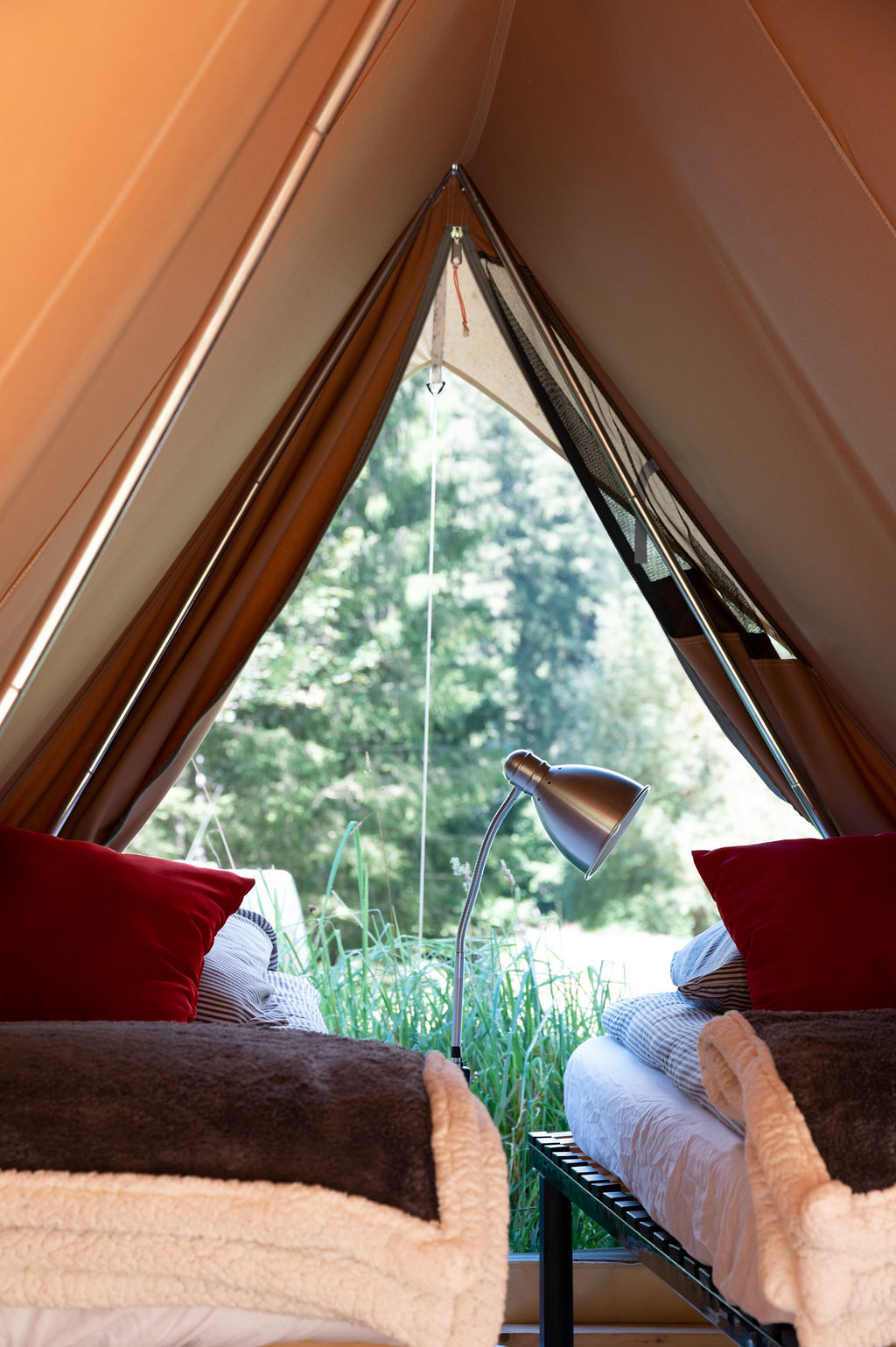 camping-le-pelly-slide-mountain-tent-14