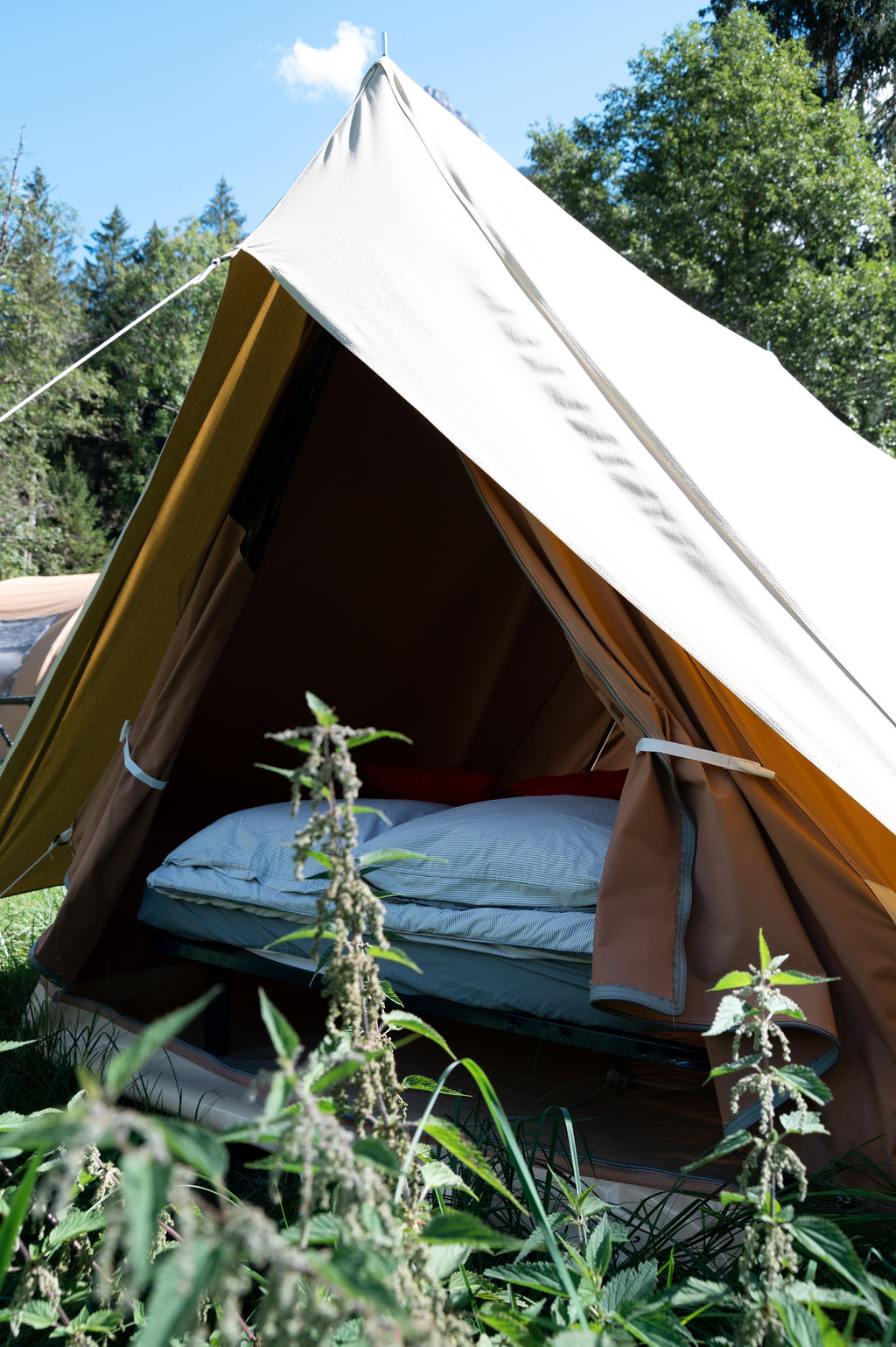 camping-le-pelly-slide-mountain-tent-16