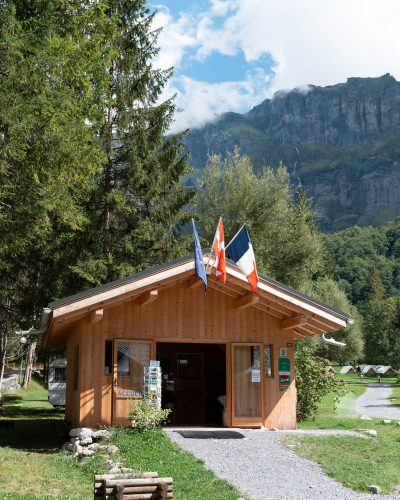 camping-le-pelly-accueil-sixt-fer-a-cheval